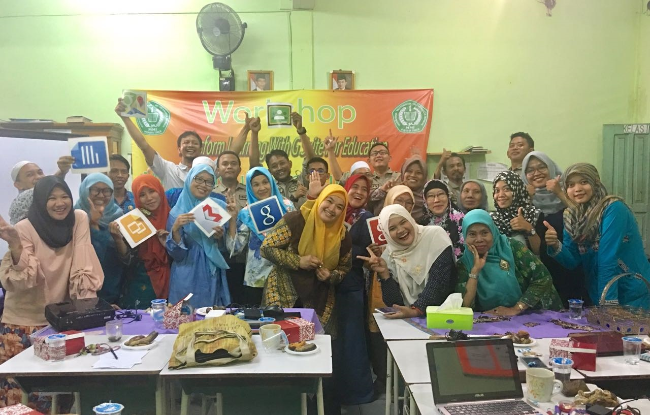 Tingkatkan Kompetensi Guru, MI/MTS Muawanatul Ikhwan Gelar Workshop Transform Learning With G Suite for Eduction.